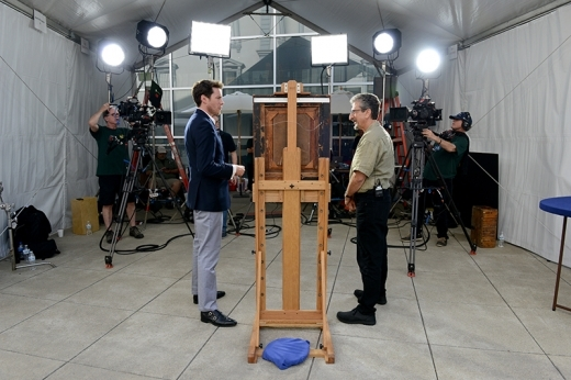 David Walker (left) appraises an item during ANTIQUES ROADSHOW's 2019 production tour. ANTIQUES ROADSHOW airs Mondays at 8/7C PM on PBS. Photo by Meredith Nierman for WGBH, (c) WGBH 2019.