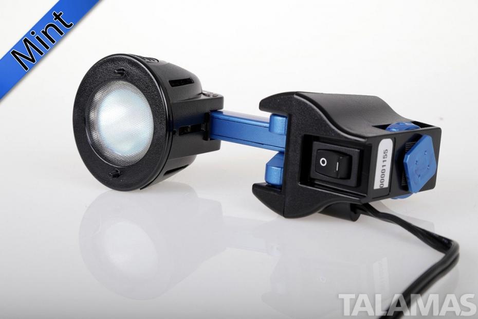 Anton Bauer ELIGHTZ 7.2 Volt on camera